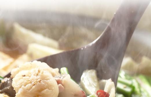 加熱済み常温もつ鍋お取り寄せ、について。楽天もつ鍋通販ランキング上位常連、博多もつ鍋若杉から「加熱済みもつ鍋」が発売され、既に1位を獲得!いまだランクインの大ヒットもつ鍋取り寄せになっています。加熱済み、常温保存、牛もつ柔らか、それでいて本場博多もつ鍋の味!とこれまでのもつ鍋お取り寄せとはちょっと違う!簡単にまとめてみました。若杉博多もつ鍋通販取り寄せは酒粕&ミックスホルモン